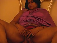 Tamil Aunt Fignering