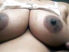 Desi hot superb bhabhi boob..
